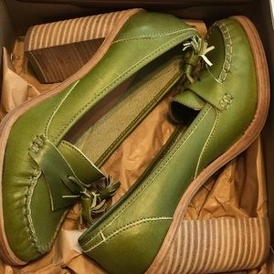 Apple green Swedish Hasbeens tassel loafers NWT